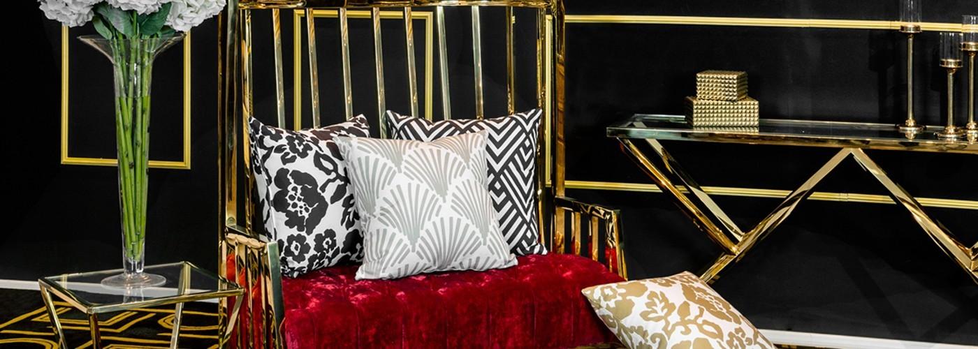 Konzolové stoly Artelore, Richmond Interiors, Liang & Eimil, RV Astley